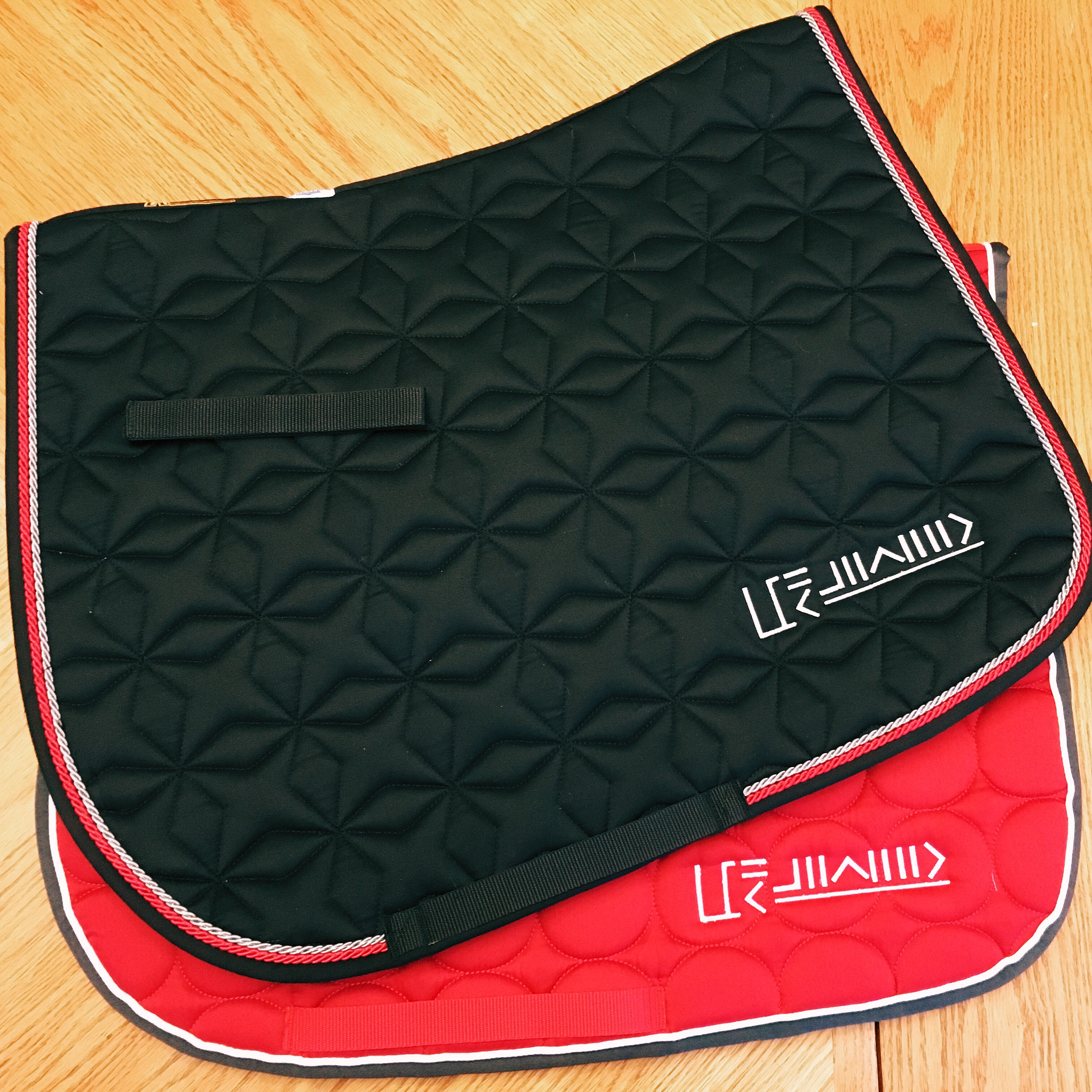 custom freezemark saddle pad for Mustang